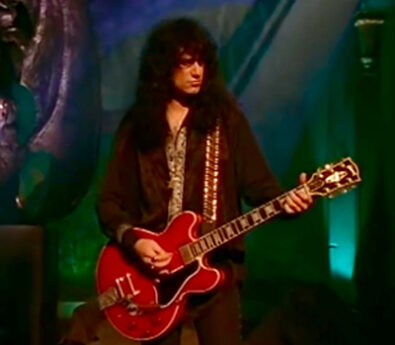 Bruce Kulick with his 1960 ES355 in cherry red