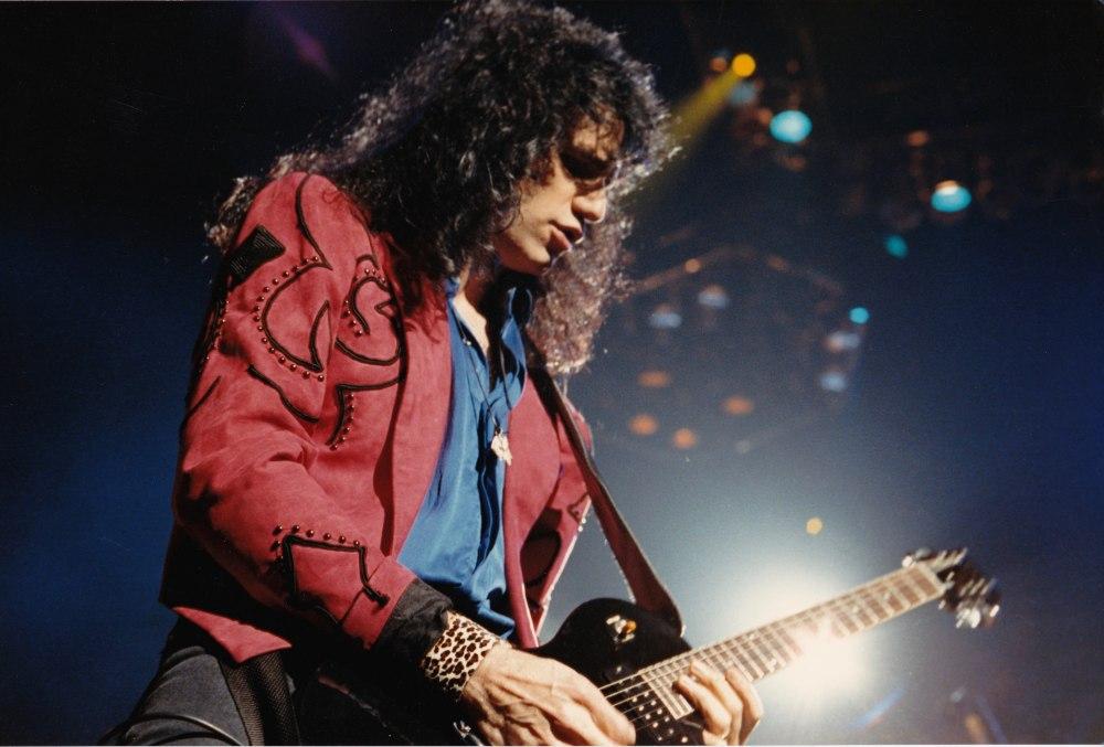 Bruce 1990